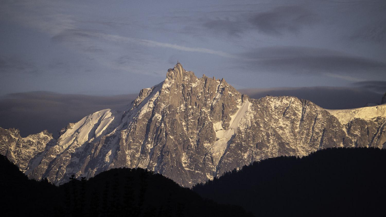 Aiguille du Midi au coucher du soleil - Mont Blanc