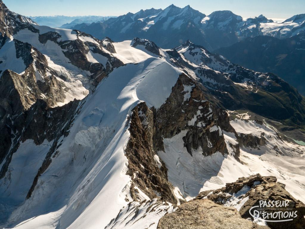 Premier 4000m en poche, descente, puis remontée, puis descente jusqu'à la Rothornhütte