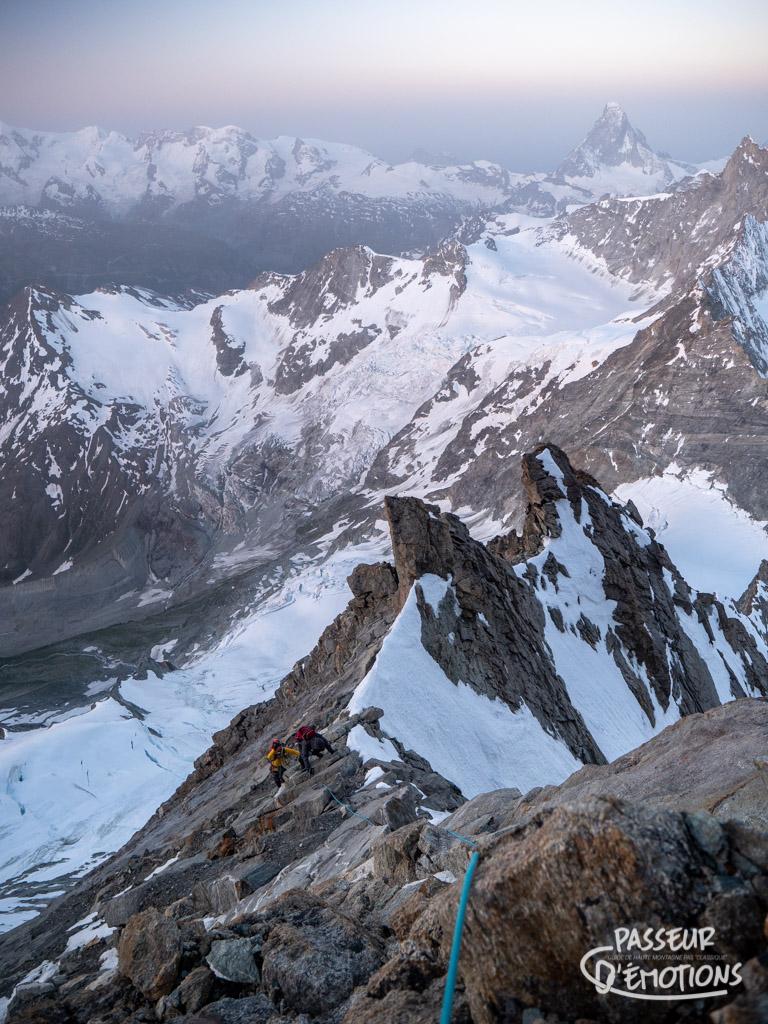 Au boulot, dans la Schalligrat, en direction du sommet du Weisshorn