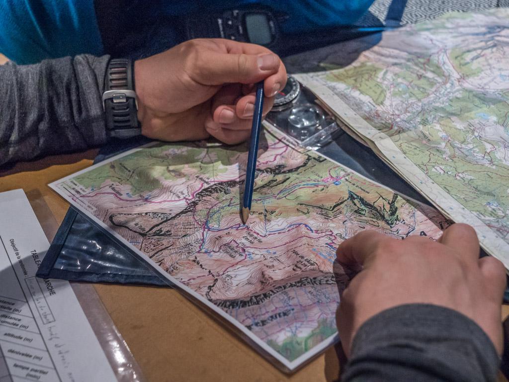 Lire une carte, savoir utiliser une bossole, le minimum pour s'orienter sans GPS