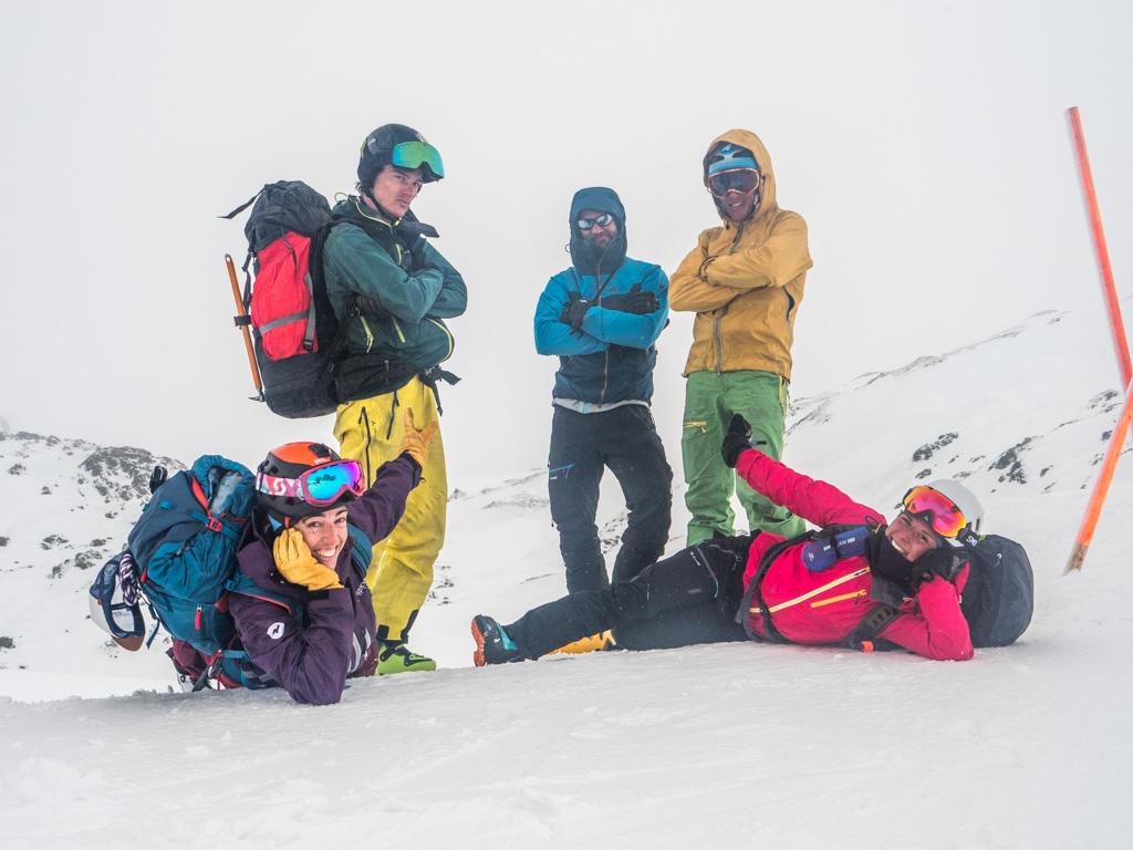 Arrivée à Obertauern sur le haut des remontées mécaniques et fin de cette traversée unique. Toute l'équipe est comblée malgré la météo !