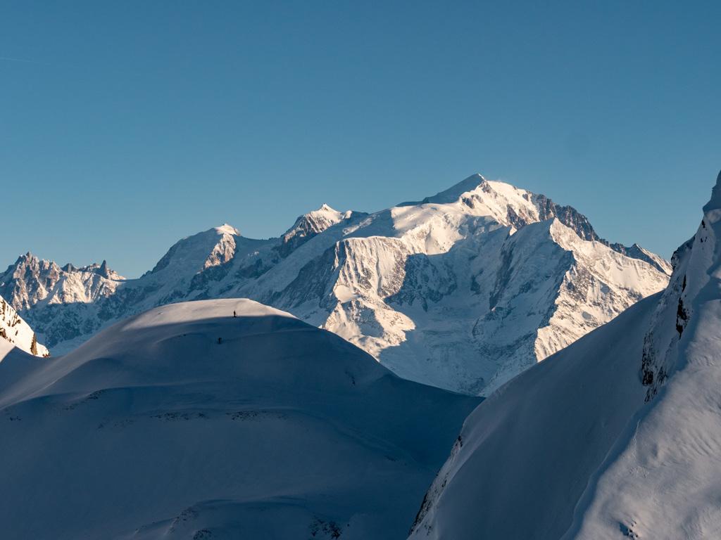 Récompense au sommet du couloir avec une vue directe sur le Mont Blanc
