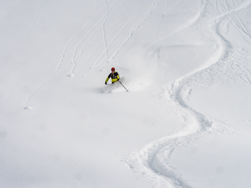 Ski poudre autour d'Andermatt
