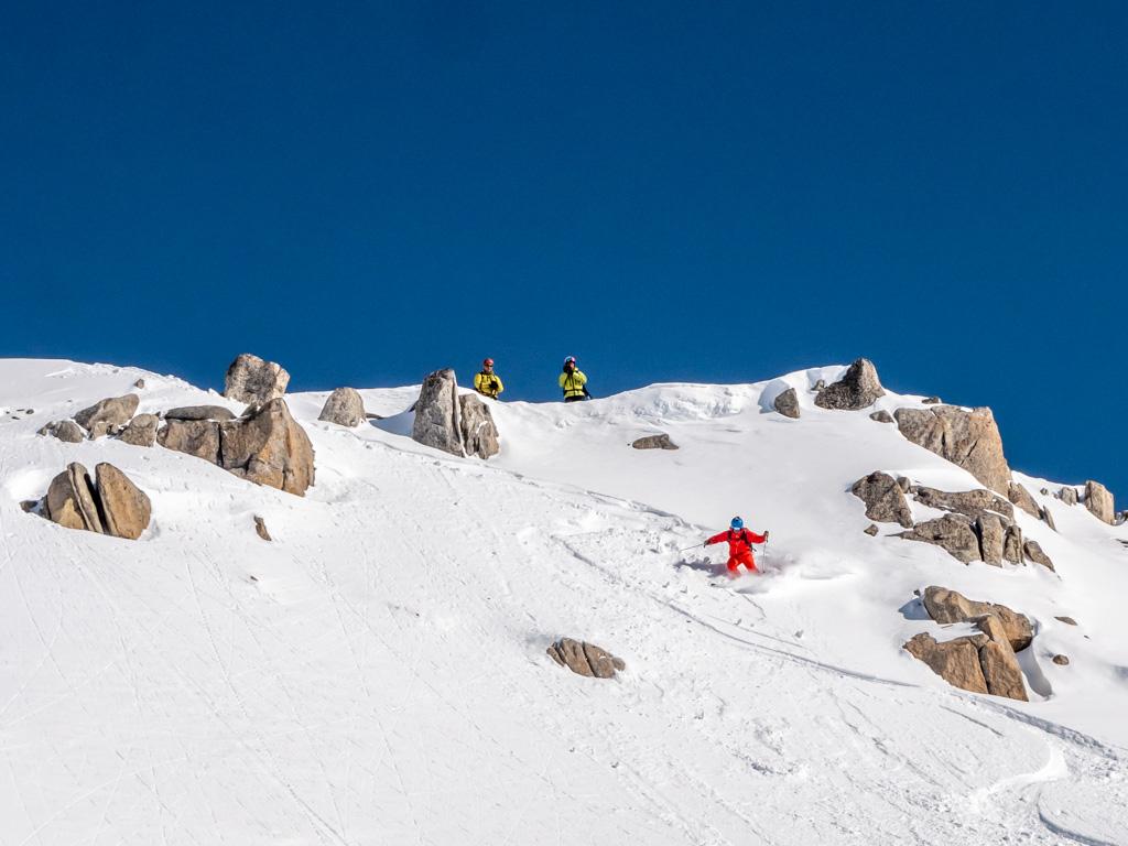 On regoûte à la neige fraîche pour cette 1ère des 3 descentes de la journée.