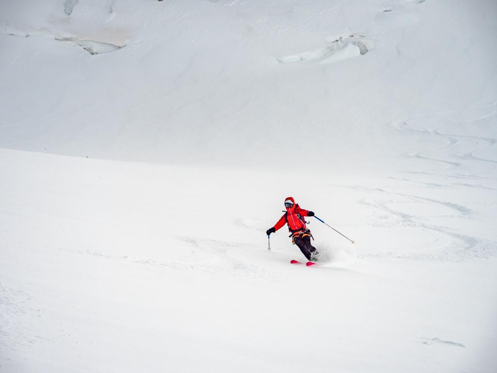 On profite de la poudreuse à Zermatt.